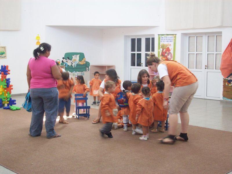 Iniciaron las clases de adaptaci n para los ni os de 2 for Actividades para jardin maternal