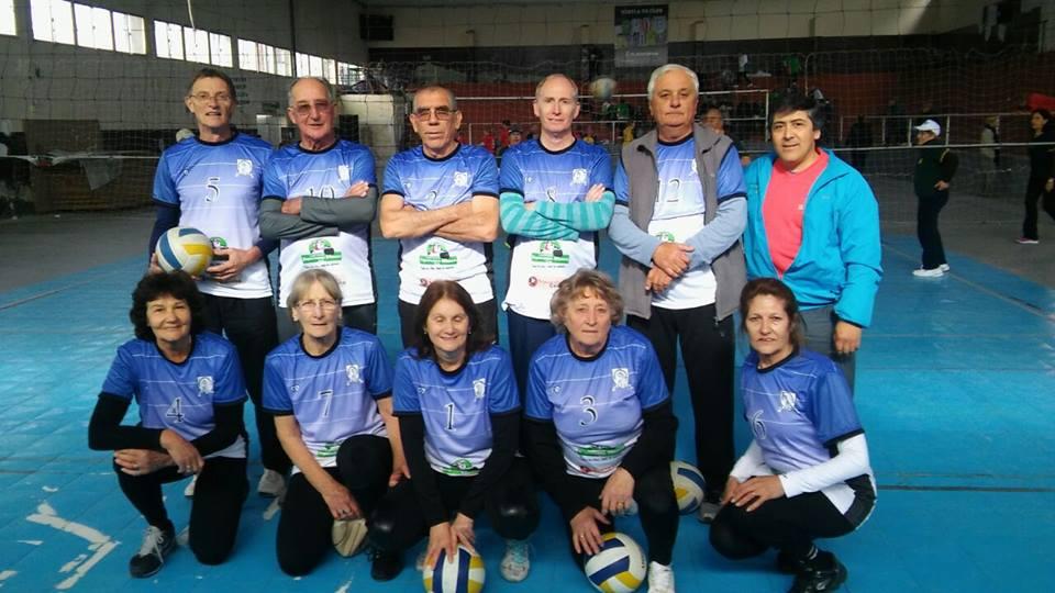 Adultos mayores viajan a Corrientes