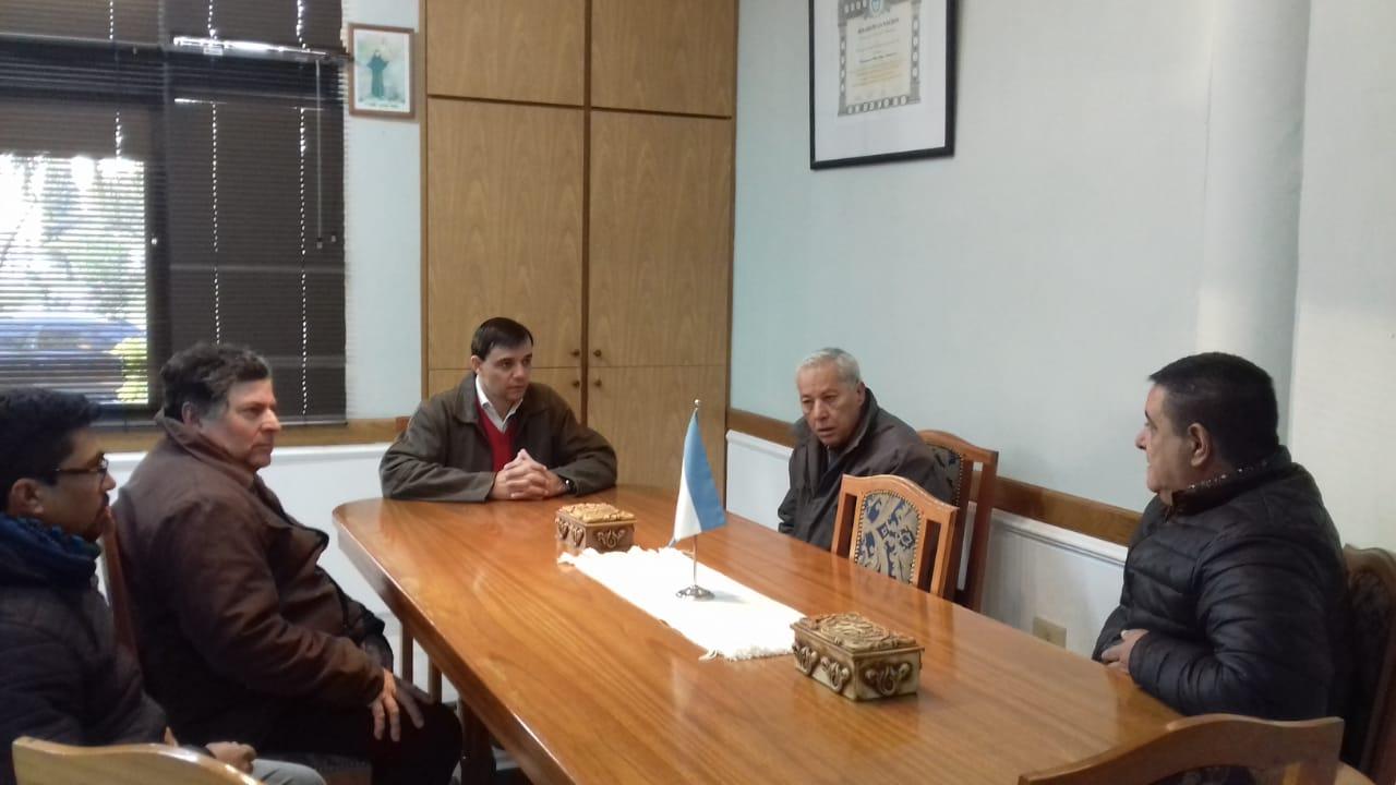 Reunión con candidatos para la dirección de IOSPER