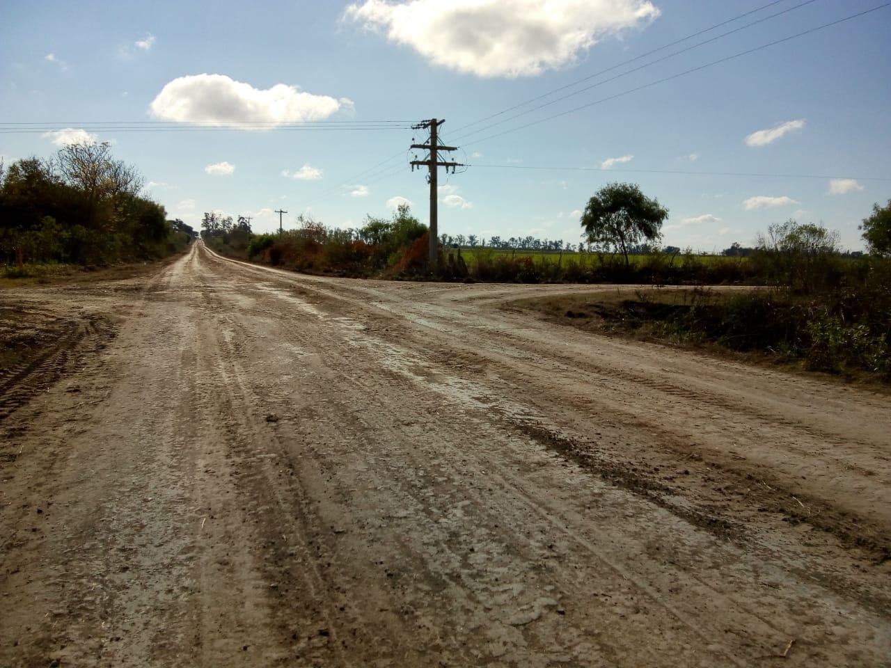 Mejoras en caminos aledaños