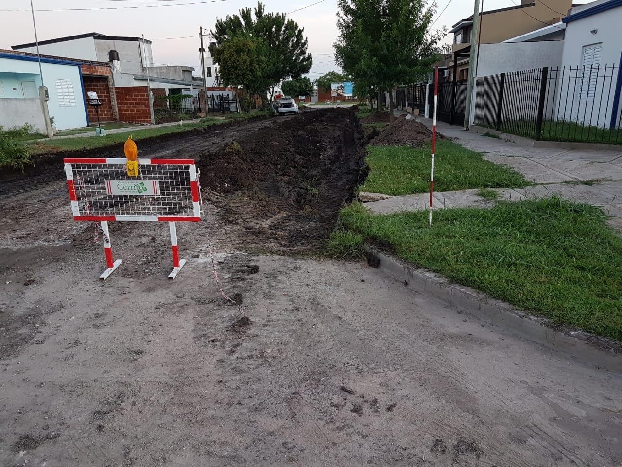 pavimento calle luhmann