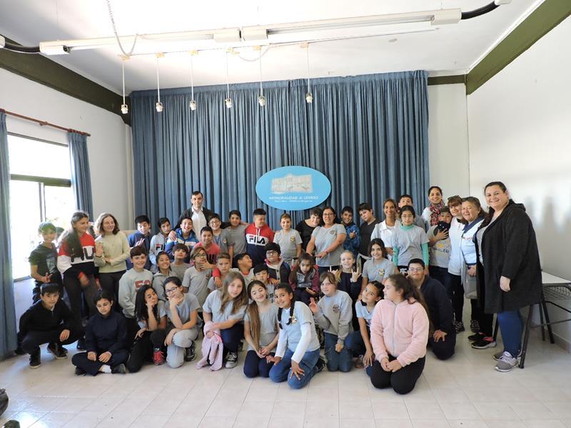 Visita de alumnos de Colonia Avellaneda