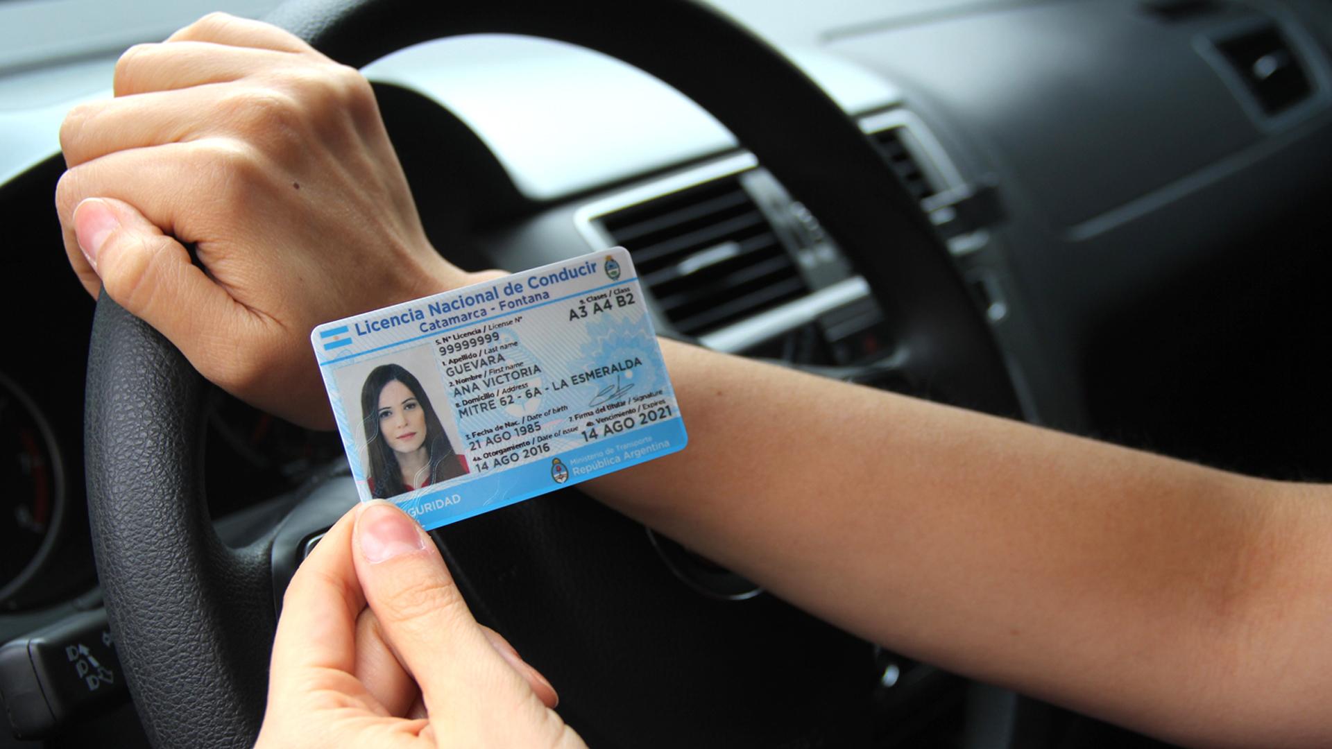 Se retoma la emisión de turno para licencias de conducir